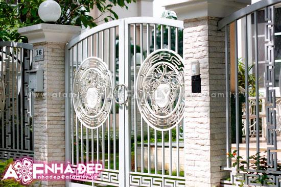 Những kiểu hàng rào kim loại làm duyên cho ngôi nhà | ảnh 3