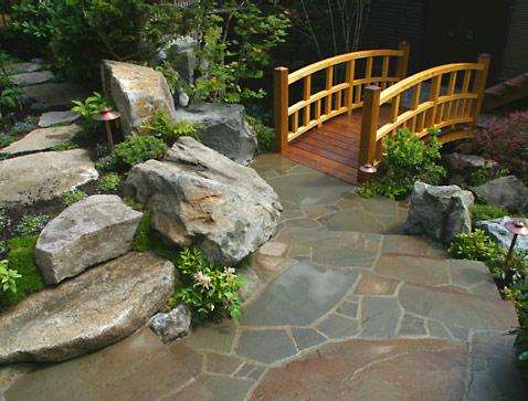 Cầu nhỏ - điểm nhấn cho nhà vườn | ảnh 1