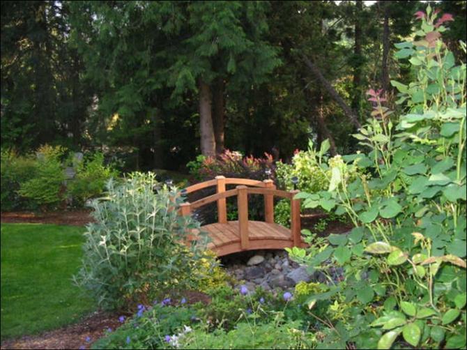 Cầu nhỏ - điểm nhấn cho nhà vườn | ảnh 3
