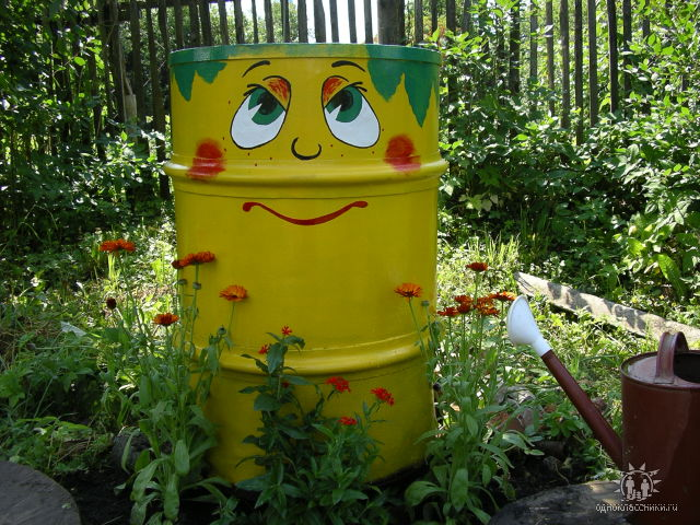 Tạo điểm nhấn cho sân vườn với thùng phi cũ | ảnh 1