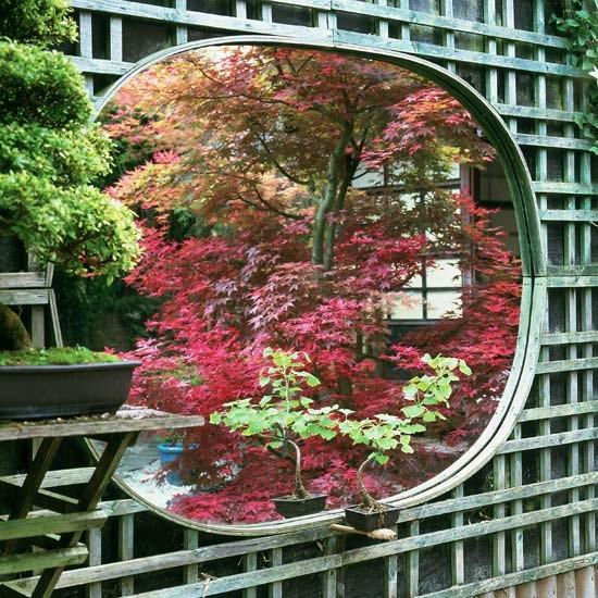 Khu vườn đẹp lạ từ những... chấn song | ảnh 3