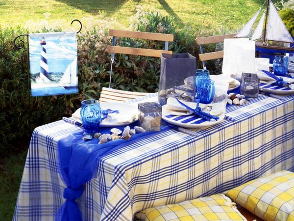 Trang trí cho bữa tiệc ngoài trời bằng khăn trải bàn | ảnh 2