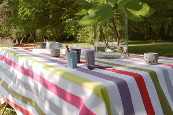 Trang trí cho bữa tiệc ngoài trời bằng khăn trải bàn | ảnh 7