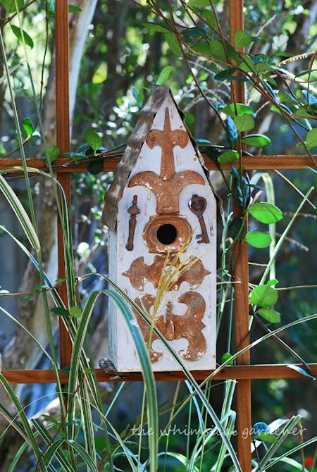 Dùng chuồng chim để...trang trí sân vườn | ảnh 9
